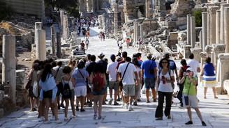 Turizmde 2.5 milyar dolarlık kayba seyirci kalınamaz