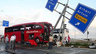 Rize'de feci kaza: 1 ölü, 36 yaralı