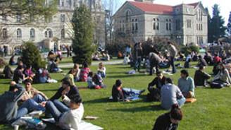 Üniversite öğrencileri için burs vakti