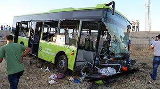 Halk otobüsü kaza yaptı: 1 ölü, 60 yaralı