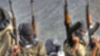PKK'lılar minibüs kaçırdı