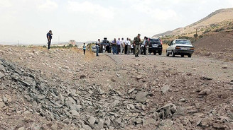 Bitlis'te iki askeri araca mayınlı saldırı