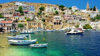 Ege Denizi'nin her iki yakası satılık adalarla dolu