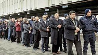 İzmir, KCK'lı plakaları yasakladı