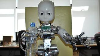 """""""Hastanın ilacını da yemeğini de robotlar dağıtacak"""""""