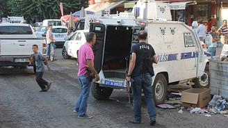 Diyarbakır'da polise saldırı: 2 yaralı