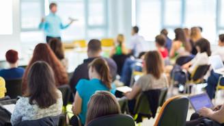 Çalışan öğrencilerin bursu kesilmeyecek