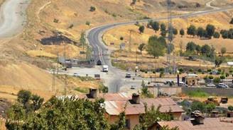 Şırnak'ta lojmanlara saldırı: 2 asker yaralı