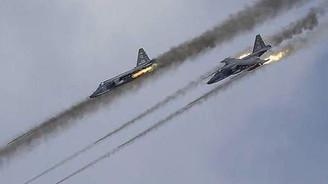 Rus savaş uçakları 'muhalifleri' vurdu