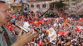 Diyarbakır'da BDP'ye yüklendi