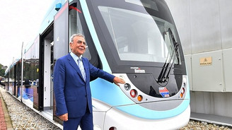 İzmir'in raylarına 38 'yerli' tramvay geliyor