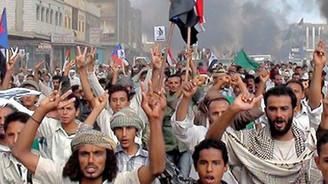 Halk, Salih'in gidişini kutluyor