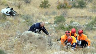 Kayseri'de minibüs uçuruma devrildi: 3 ölü
