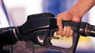 Benzin fiyatlarına 4 kuruşluk indirim