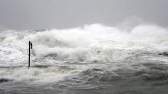 """Denizlerde """"fırtınamsı rüzgar"""" uyarısı"""