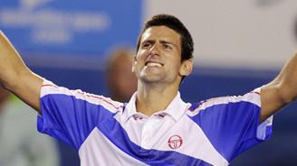Wimbledon şampiyonluğunu Nadal'dan kaptı