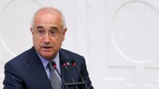 Yeni Anayasa için 2012 sonunu işaret etti
