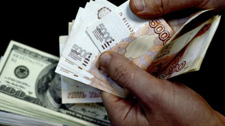 Rus rublesi düşüşte