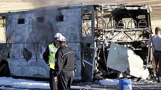 5 mahkum cezaevi aracında yanarak öldü
