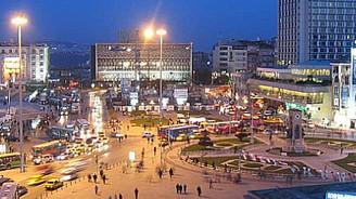 Taksim'de şüpheli bavul