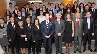 TEV'den 56 gence 'Üstün Başarı Bursu'