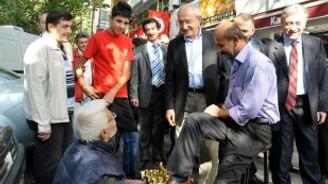 Kılıçdaroğlu, Kumrular esnafını ziyaret etti