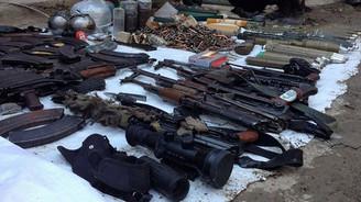 Şırnak'ta toprağa gömülü silahlar bulundu