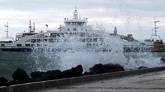 Kuvvetli lodos deniz ulaşımını aksatıyor