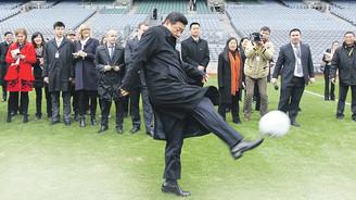 Çin şimdi de futbolda 'oyun kurucu' oluyor
