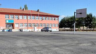 Okullar mahalleliye açılıyor
