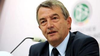 FIFA'dan Niersbach'a 2 yıl men talebi