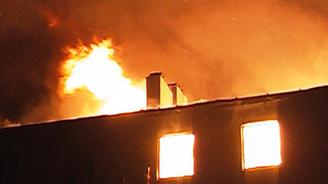 Fatih'te 5 kişi yanarak can verdi