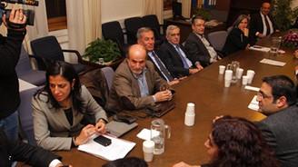 BDP'li vekillerin oturma eylemi sona erdi