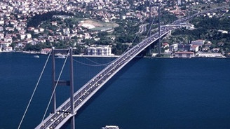 BEDAŞ işçileri köprüyü kapattı