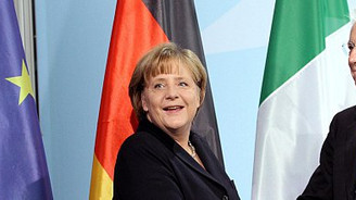 Merkel, Monti ile görüştü