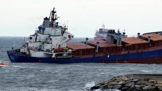 Boğaz'da gemiler birbirine girdi