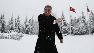 Cumhurbaşkanı Gül'ün kar keyfi