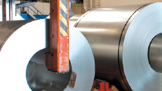 Çelik ihracatı 2012'ye hızlı girdi