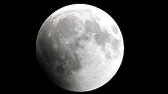 Çinliler Ay'ın ayrıntılı fotoğraflarını çekti
