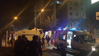 Van'da polis merkezine bomba yüklü araçla saldırı: 3 ölü