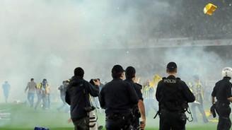 Fenerbahçe'ye ceza yağdı, Aysal da payını aldı