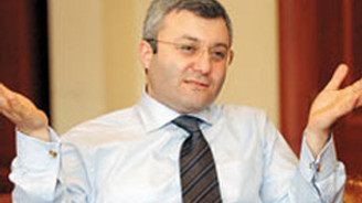 Tuncay Özkan, CHP'ye katıldı
