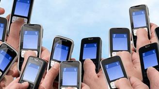 Mobil iletişim yükselişte, internet fibere kayıyor