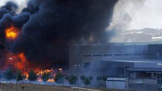 Ofis dışında her şey yandı