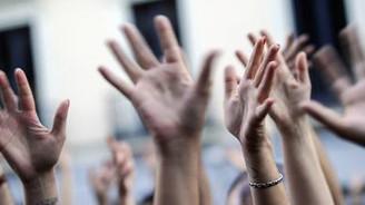 Kürtajı kısıtlayan yasa tasarısı protesto edildi