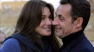 Sarkozy-Bruni çiftinden 'tape' yasağı talebi