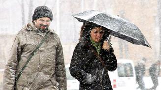 Ankara karla uyandı