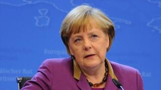 Almanya'da Merkel'in 3. dönemi yarın başlıyor