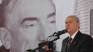 Bahçeli: Dava açma Sayın Başbakan'da alışkanlık haline geldi