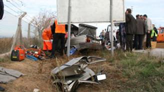 Pendik'teki kaza trafiği kilitledi